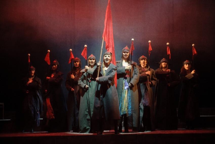 Ach! Odessa-Mama... / reż. Jan Szurmiej / fot. A.Wencel / scena zbiorowa