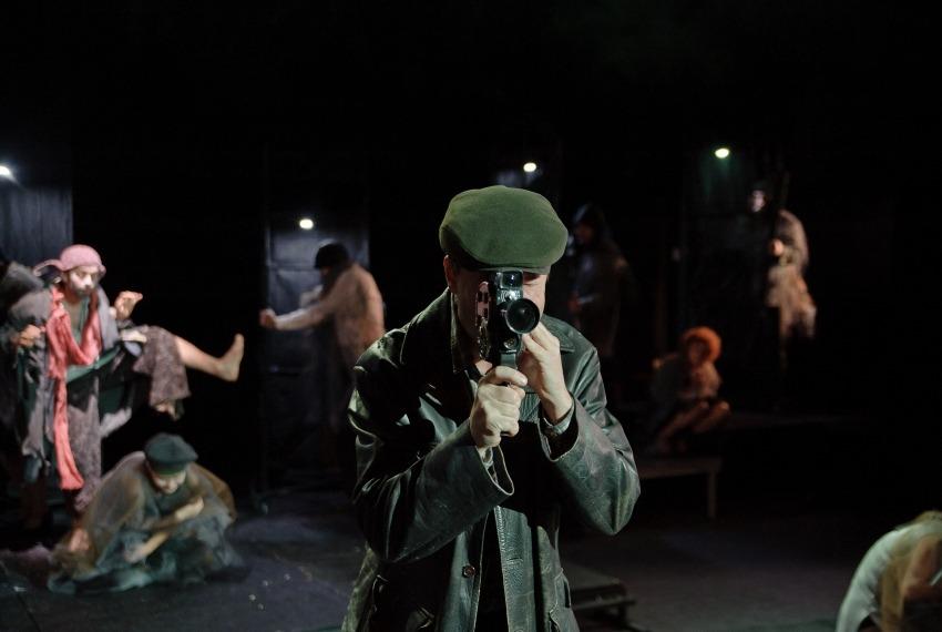 Noc całego życia / reż. Szymon Szurmiej / fot. Andrzej Wencel / na 1 planie Rafał Rutowicz