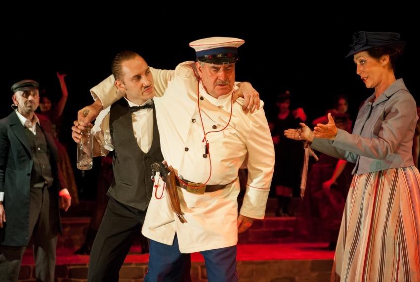 Ach! Odessa-Mama... / reż. Jan Szurmiej / fot. A.Wencel / na 1 planie Waldemar Gawlik i Ernestyna Winnicka